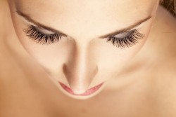 Bimatoprost eyelash eye drops and its benefits